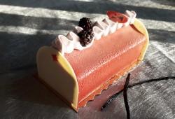 La Bûche Éphémère à la mûre et vanille - Aux Délices de Christophe
